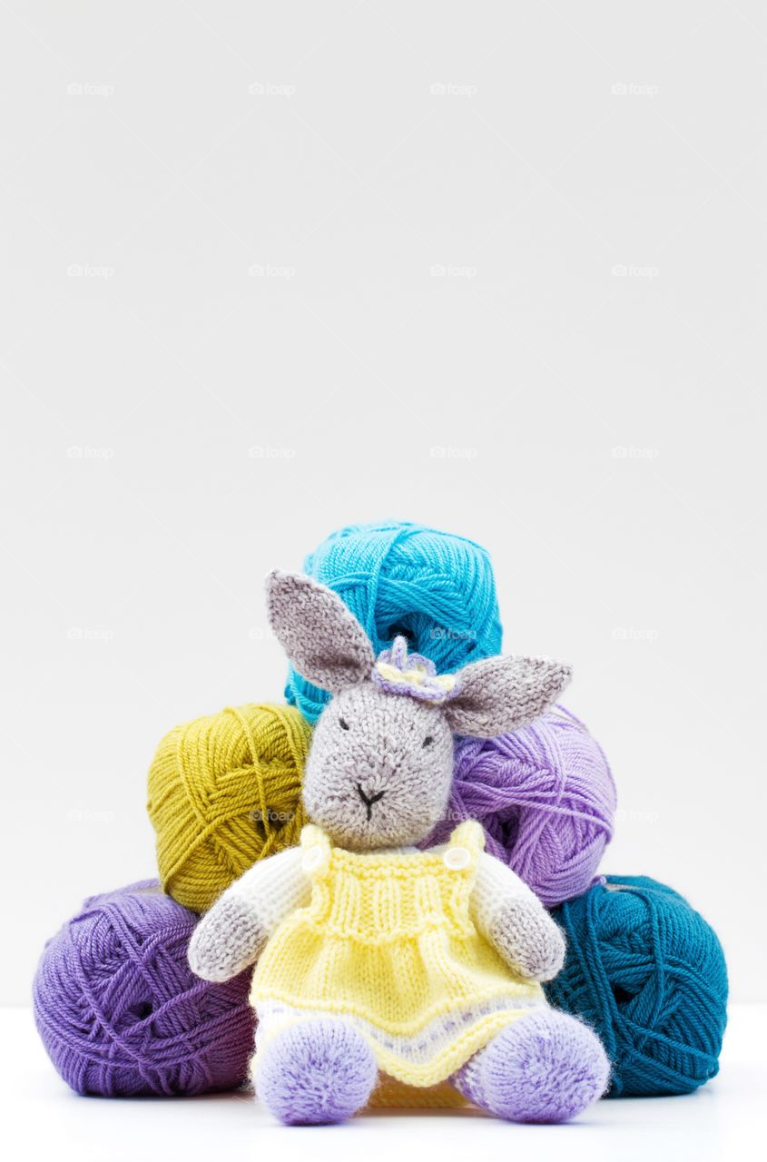 Bunny with woolen ball