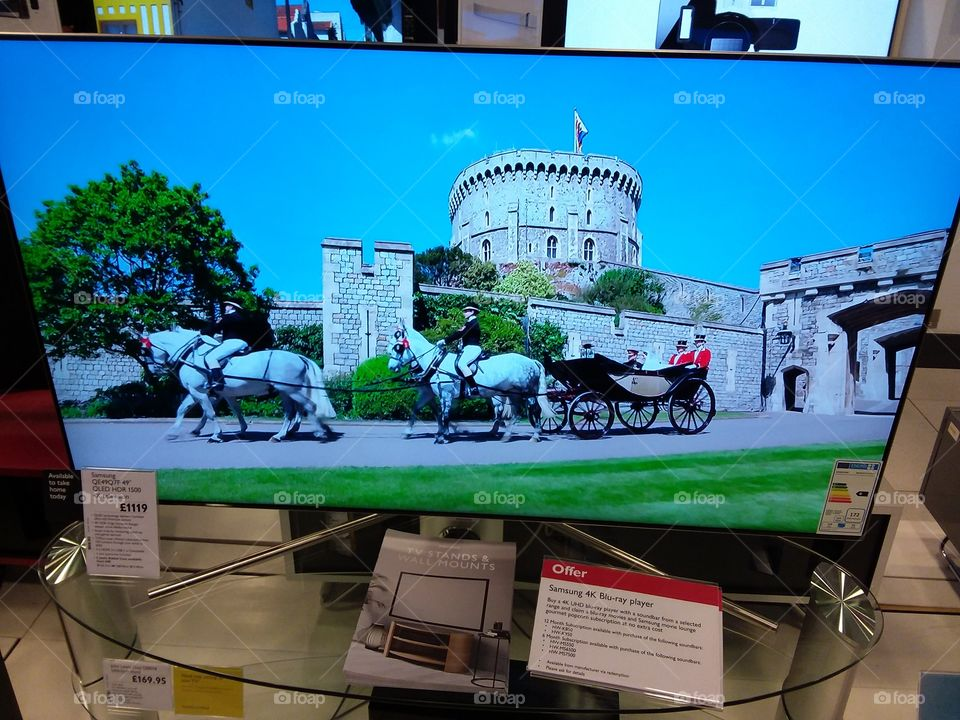 Royal wedding Harry and Meghan castle and horse drawn carriage