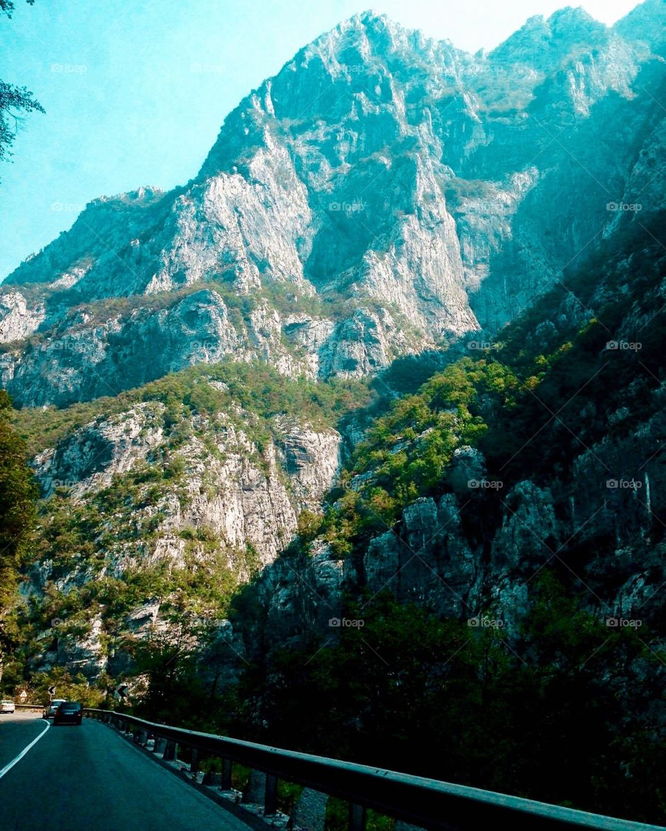 Sightseeing in the beautiful Montenegro mountains