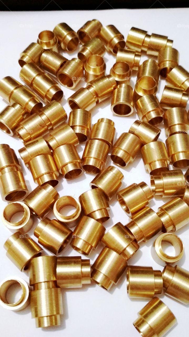Cubos dourados