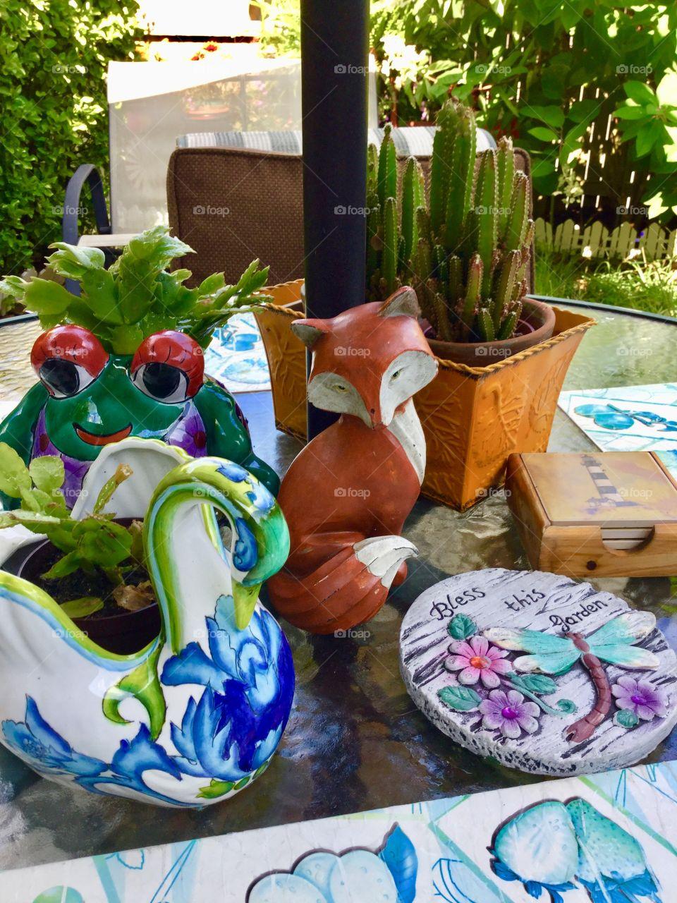 Cute summer garden decorations - family garden
