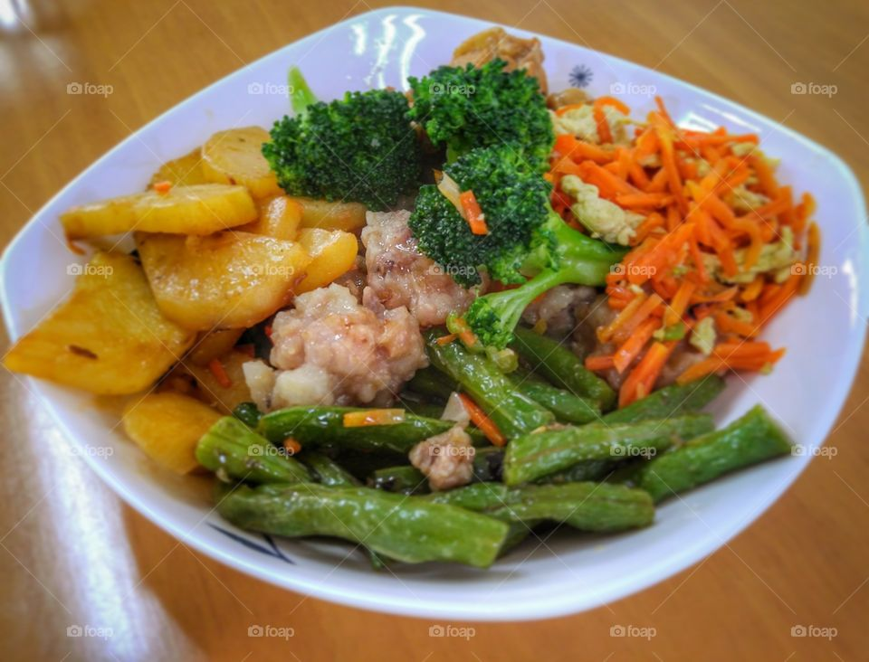 Chinese lunch at school