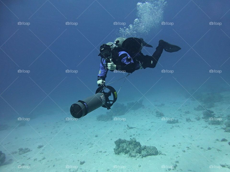 Diving scooter
