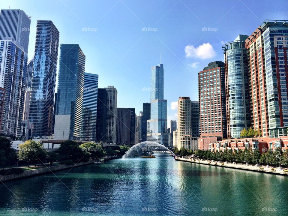 Chicago River and Trump Tower