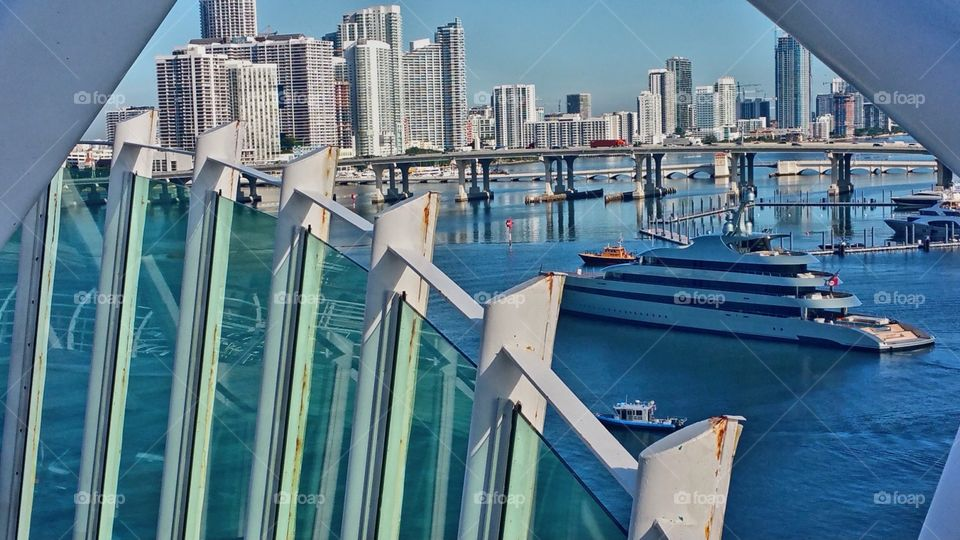 I think this is a cool capture ..yacht and cruise ship Miami..My very last picture captured basically by guessing cause the lighting on my phone from the morning sun
