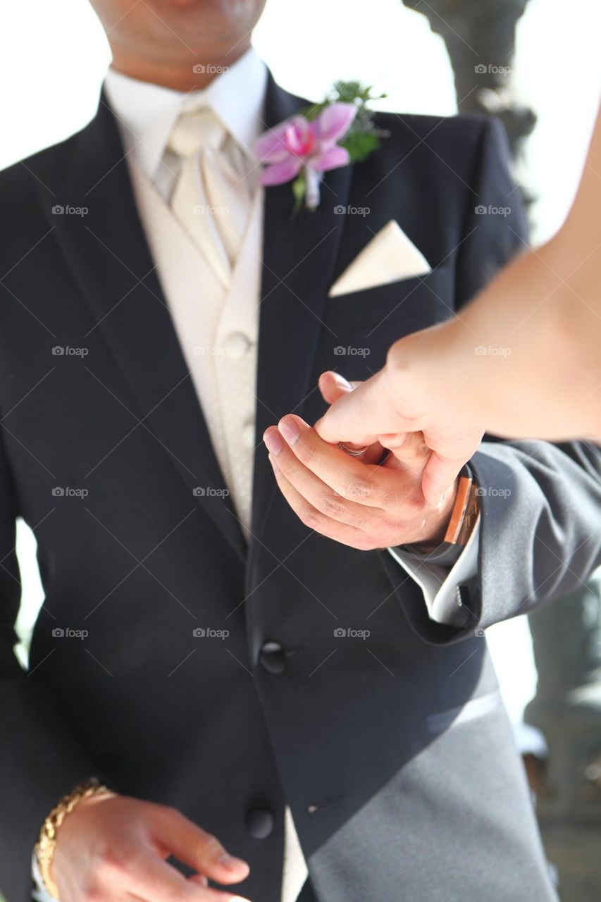 Helping hand from a gentleman