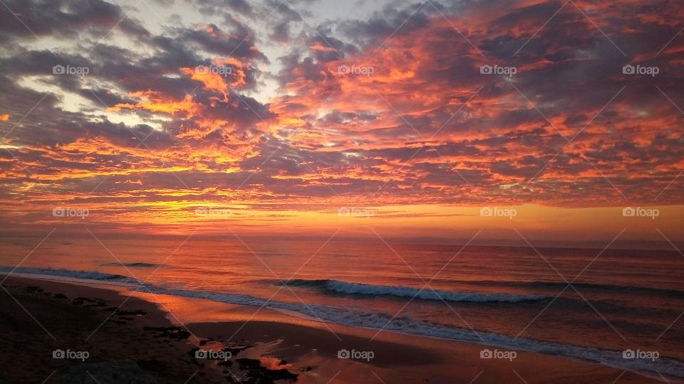 закат.огненный.море.волны.пляж.