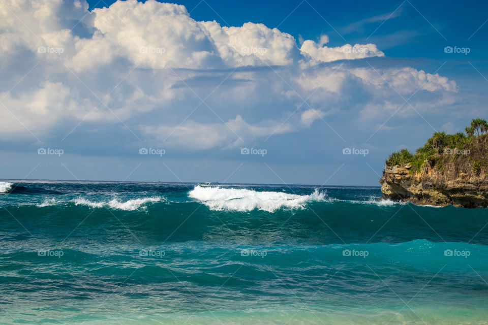 Waves at Dream Beach on Nusa Lembongan in Indonesia