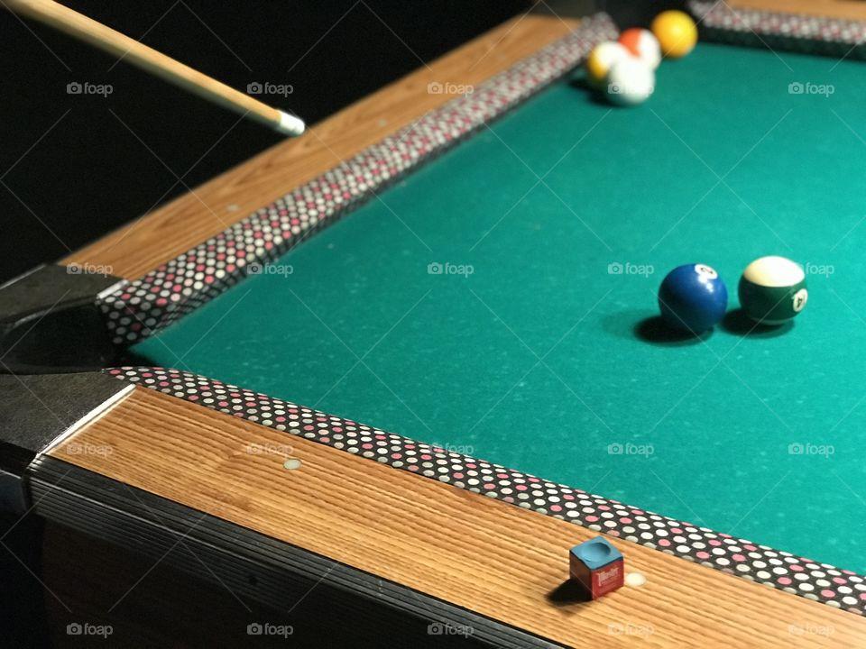 Classic shot of the good ol pool set up!