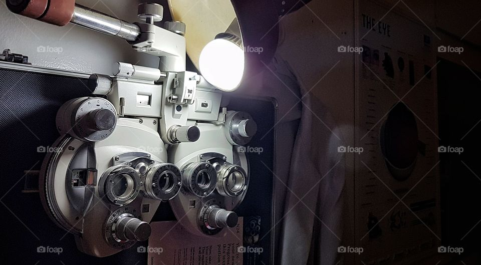 phoropter eye examination devise