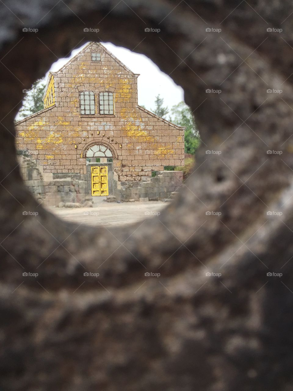 House in the hole frame
