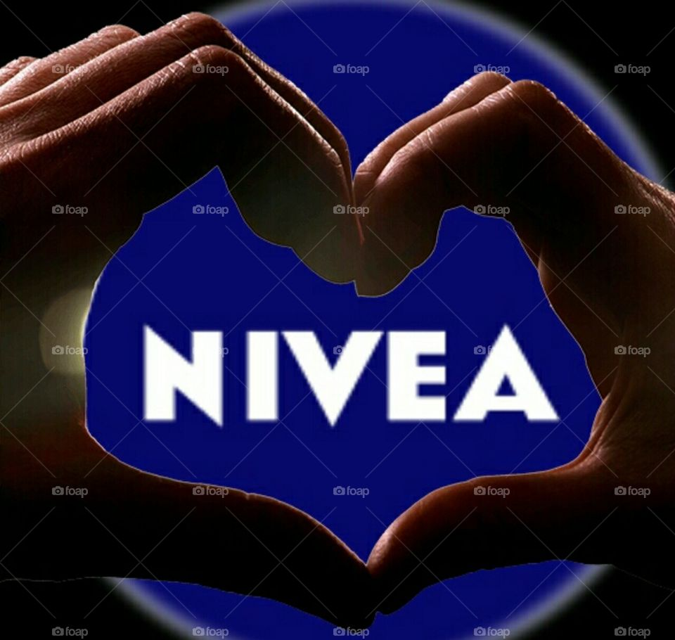 just upload a new photo to the  mission by nivea!😍😍😍