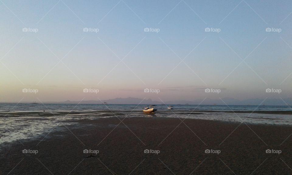 "Location of shooting on the beach of Oesapa, Kupang City, East Nusa Tenggara Province - Indonesia, on Wednesday 25 July 2018. by 'yosephrada81@gmail.com """