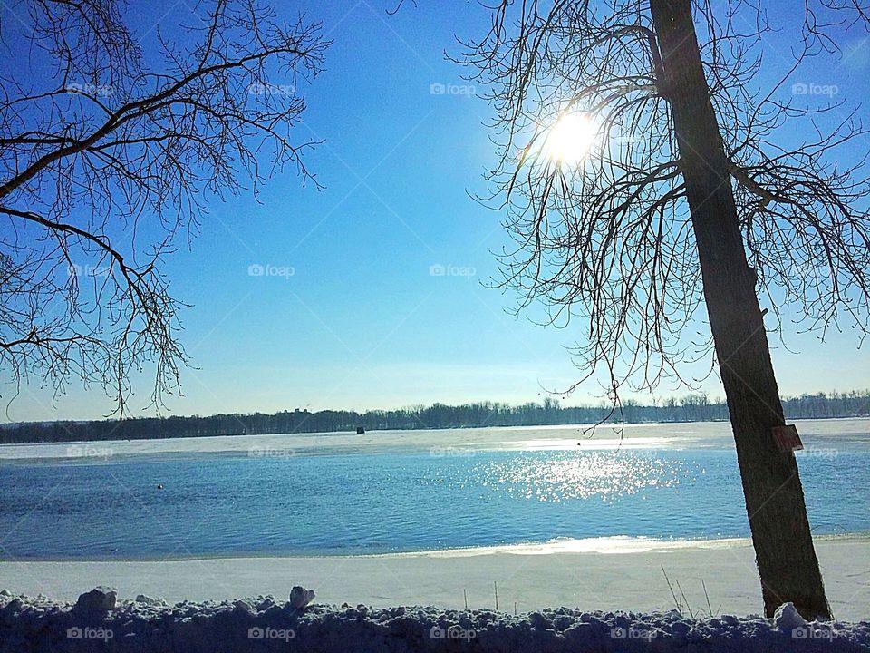 Winter sun reflections