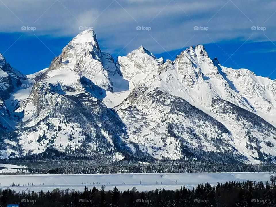 Clear December View of the Tetons Range