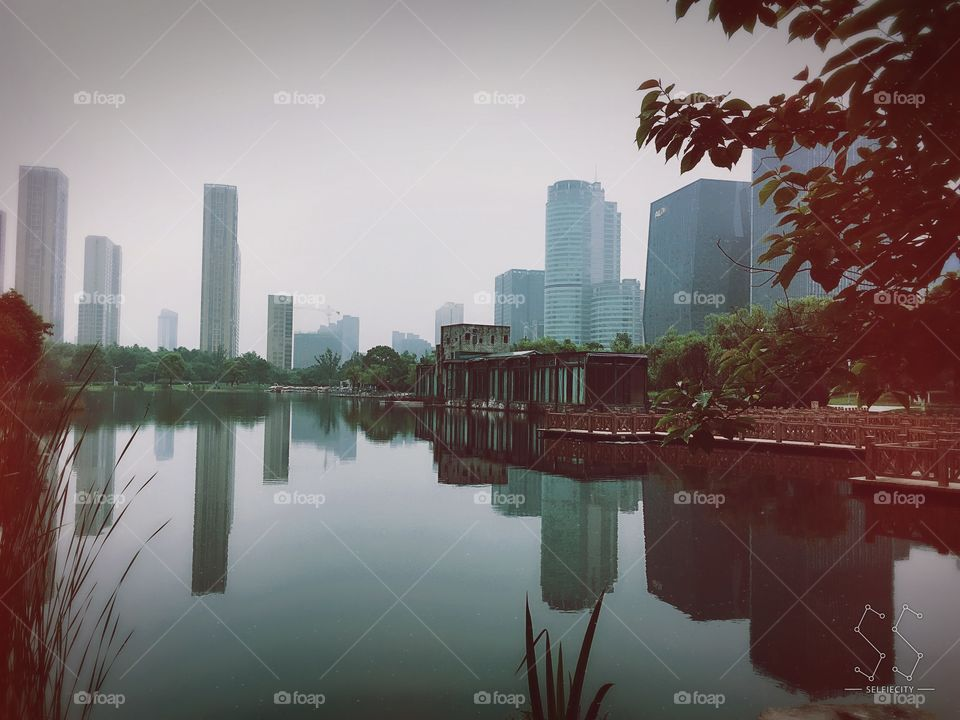 Yin Zhou Park at Ningbo. Morning run with freshest air and peaceful view. Sofitel is nearby~