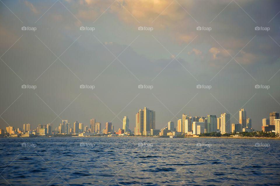 sunset in manila bay Area