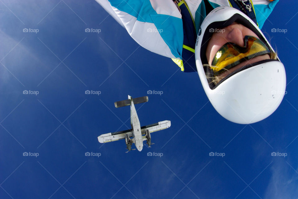 airplane skydive headdown by seeker