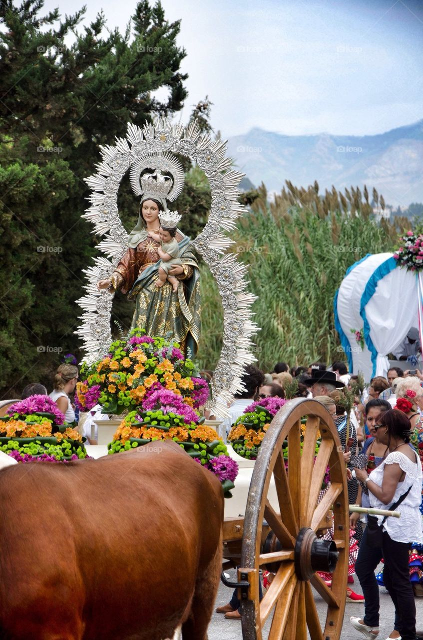 Virgin Mary in a pilgrimage on carriage