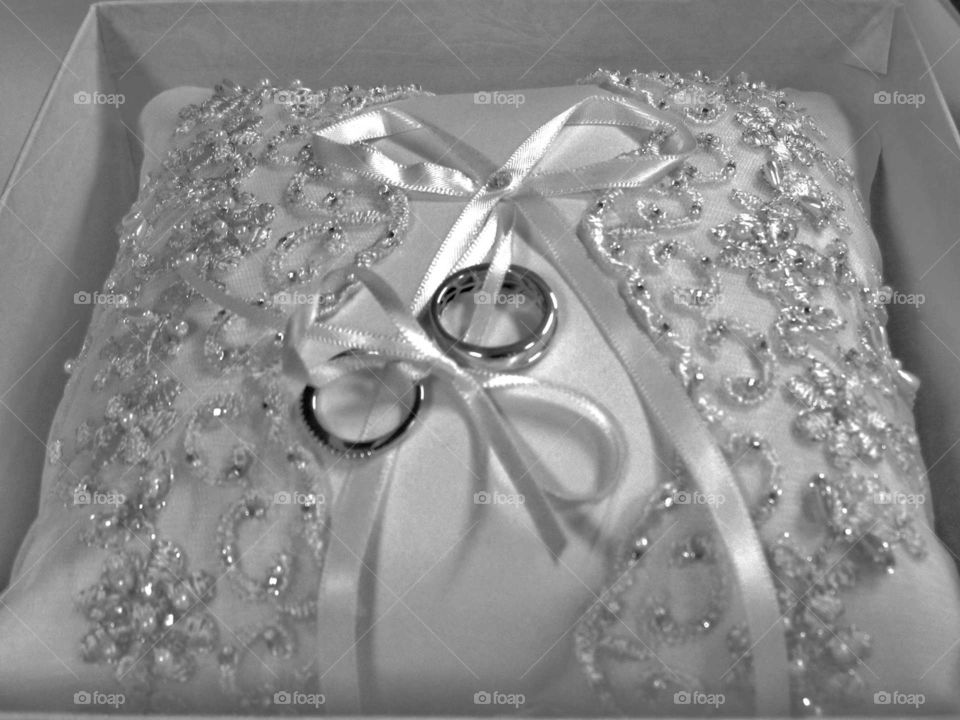 wedding rings before the ceremony