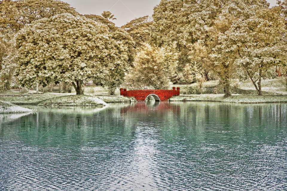 valentine red bridge