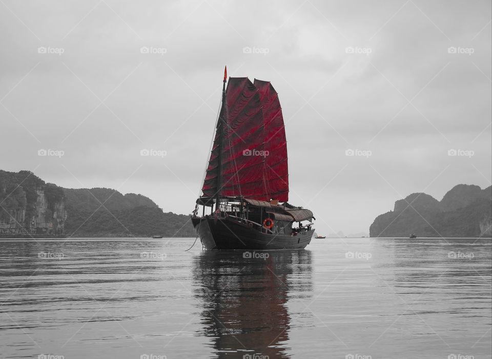 water boat fog vietnam by nautiflyer