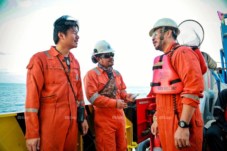 Manpowers in offshore.
