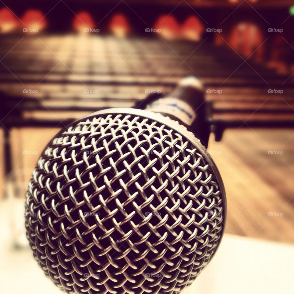 event crowd focus microphone by lukegusman