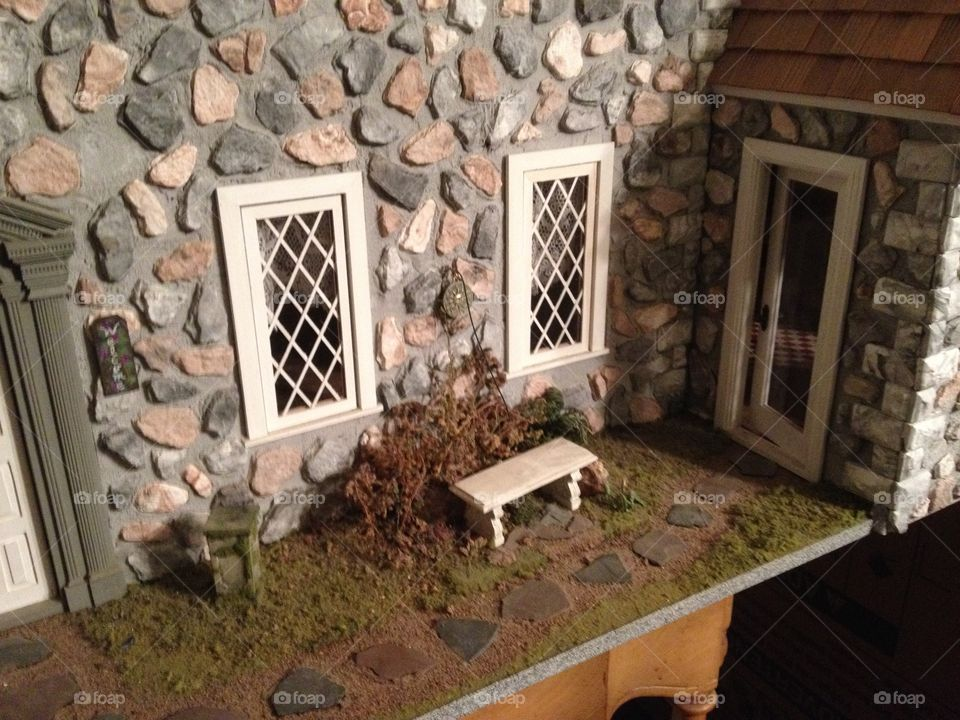 Fieldstone dollhouse closeup