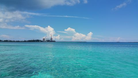 Just a beautiful view the water the clouds over this island.. breathtaking.. Nassau Bahamas