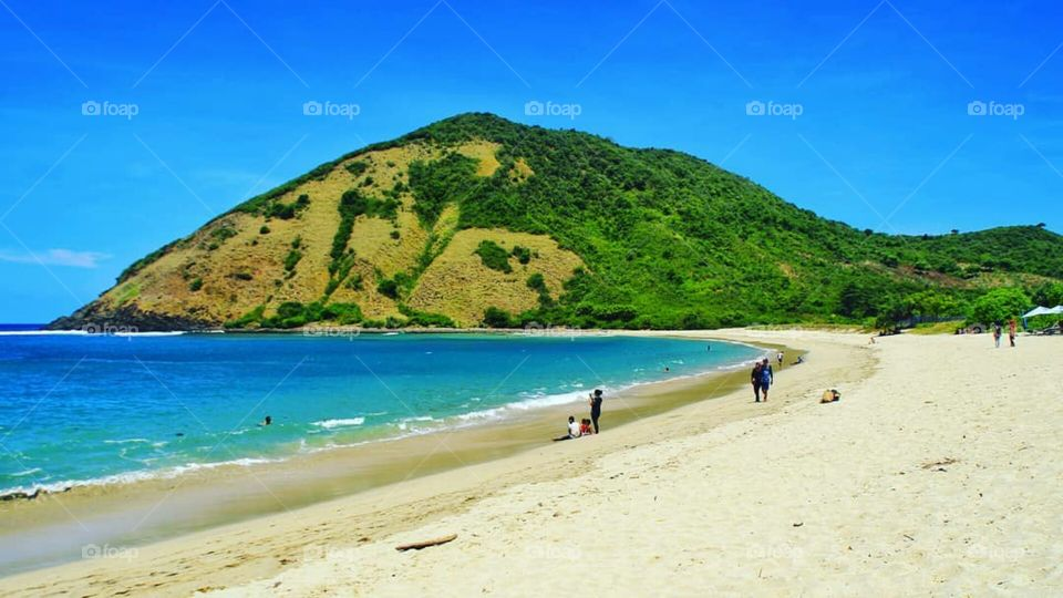 Photo By : @lombok_transport Location : Mawun Beach, Central Lombok, Lombok Island, West Nusa Tenggara, Indonesia