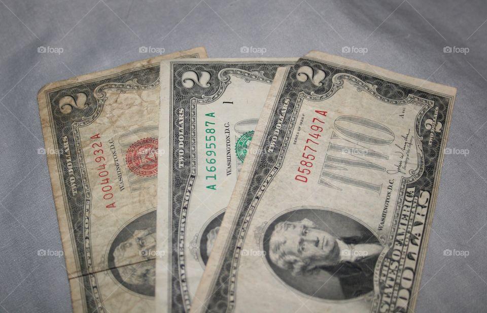 Unique currency 2 dollar bills